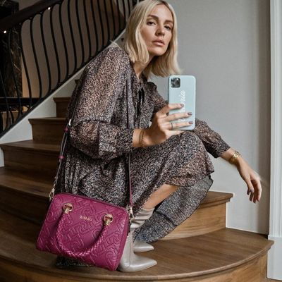 How to Score  the Best Deal  on a Designer Bag  ...