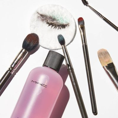 Don't Make These 7 Mistakes with Your Facial Brush Cleanser ...