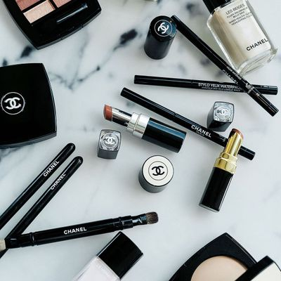 7 Very Best Organic Makeup Brands for Girls Who Want to Go Natural ...