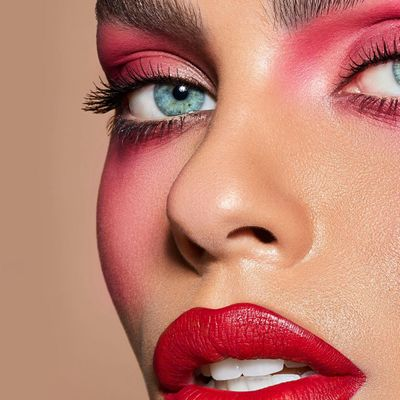 7 Makeup Tips for Big Eyes ...