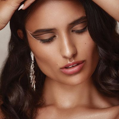 7 Makeup Tricks to Fake a Good Night's Sleep ...