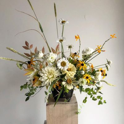 25 of Todays Delightful  Flowers Inspo for Gals  Wanting Subtle  Accents ...