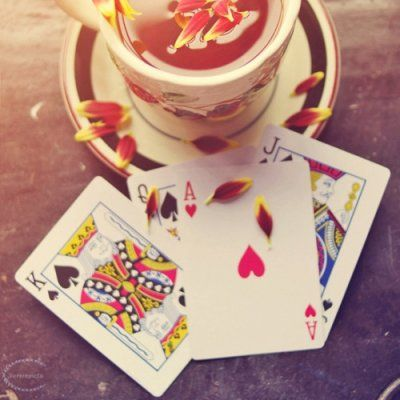 Simple Card Tricks You Can Perform to Impress at Parties ...