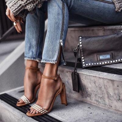 8 Glamorous White Donna Karan High Heels ...