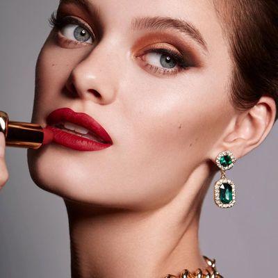 9 Ways to save Money on Cosmetics ...