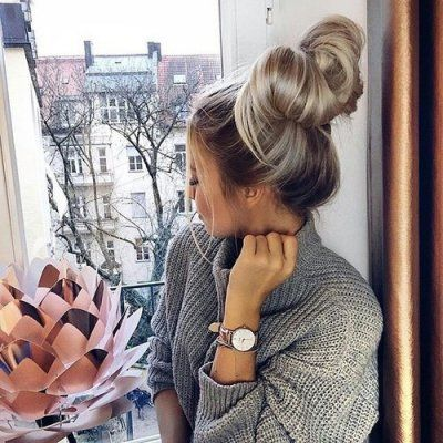 Messy Bun Inspo 💡 from These 23 Hot 🔥 Instagram Queens 👸🏻👸🏼👸🏽👸🏿 ...