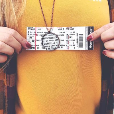 7 Cute Ways to Display Old Concert Tickets ...