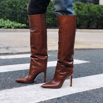 How Short Girls 👌🏼 Can Get Away 🙊 with Wearing Knee High Boots 👢 ...