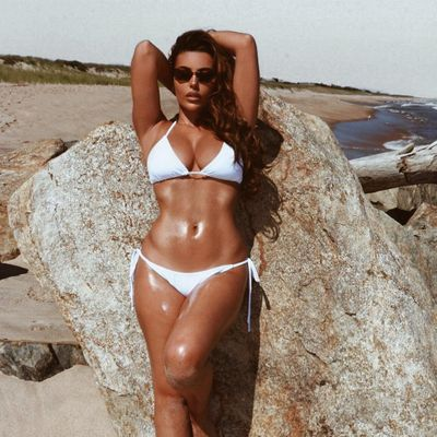 Hottest Pictures of Alessandra Ambrosio!