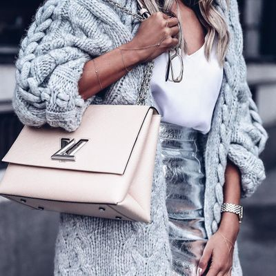 What the inside of Your Handbag  Says about You  ...