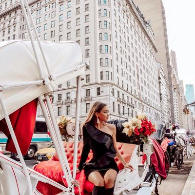 11 Fabulous Street Style Takes on Statement Pants ...