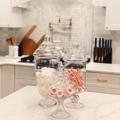 How to 🤔 Make a Festive 🤗 Christmas 🎄 Candy Jar 🍬 ...