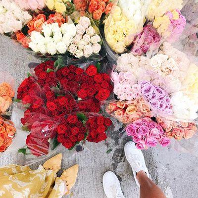 15 Elegant Flower Arrangements That'll Brighten up Any Room ...
