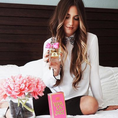 Girl's Guide 📙 to Finding a Perfume 💐 You'll Use Every Drop 💧 of ...