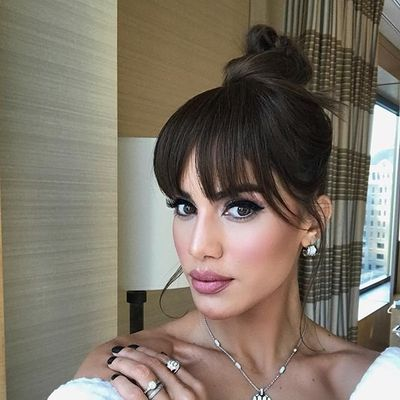 7 Interesting Ways to Style Your Bangs ...