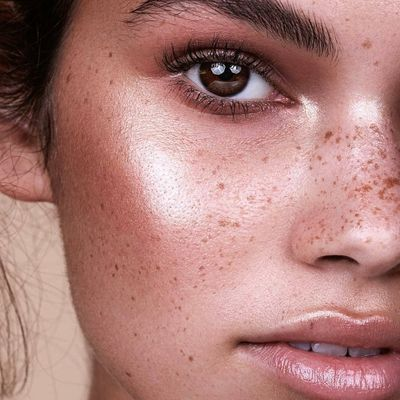 7 Reasons You Don't Need to Wear Make up Everyday ...
