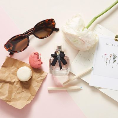 How to 📖 Wear Perfume 🌸 like a French 🇫🇷 Woman 👩 ...