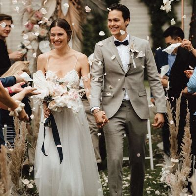 7 Best Wedding Traditions to Keep around Forever ...