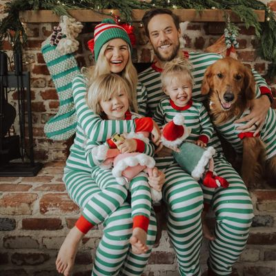 Pros 👍 and Cons 👎 of Having Your Child 👶 Believing 🌟 in Santa 🎅🏻 ...