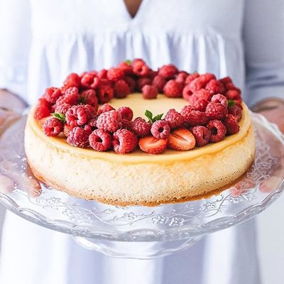 19 of Todays Drool Worthy  Cake and Dessert Inspo for All  the Girls  Celebrating Something  ...