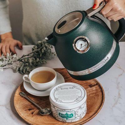 7 Incredibly Healthy Herbal Teas ...