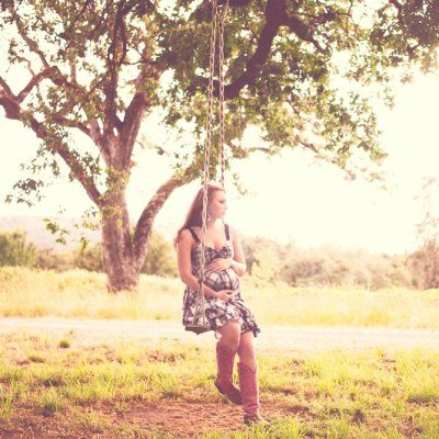 Pregnant Women Should Try Taking These 17 Types of Maternity Photos ...