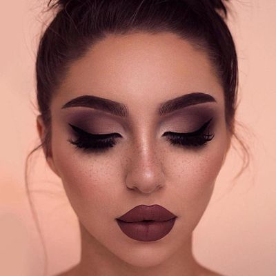 18 Makeup Tips for Small Eyes ...