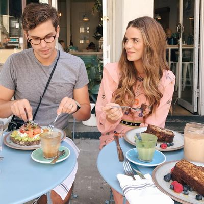 7 Lifesaving 🙌 Tips for How Make a Good 👍 Impression on a First ☝️ Date 👫 ...
