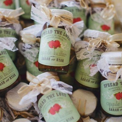 Your Guests Will Actually Want These Gorgeous Wedding Favors ...