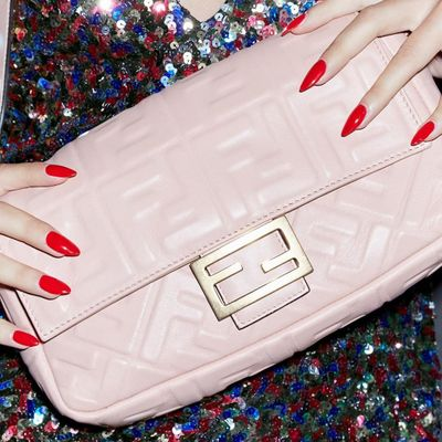 11 Essential Items to Keep in Your Purse at All Times ...