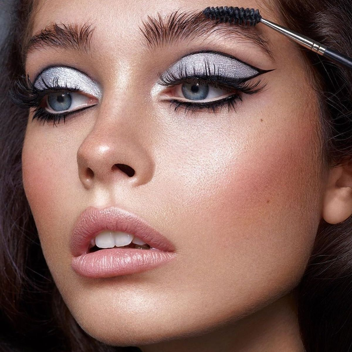 Fab Eye Makeup Tricks To Hide Puffiness
