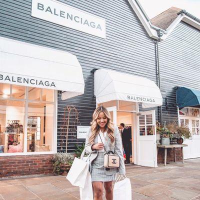 19 Photos of Christina Takes Max Shopping ...