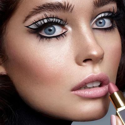 7 Ways to Get Free Makeup by Beauty Blogging ...