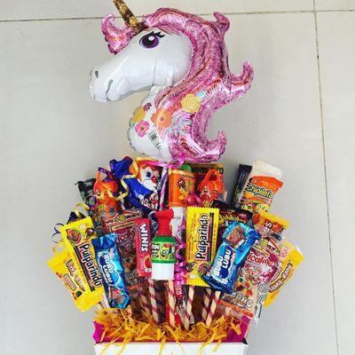How to 📝 Make a Candy 🍭🍬 Bouquet for the Sweetest ☺️ Person in Your Life 🌎 ...
