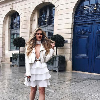 The Many Fashionable 😎 Ways to Rock 🤘🏼 White This Summer ☀️ ...