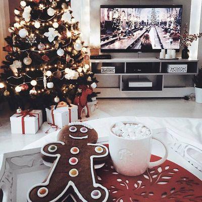 5 Festive 🎉 Movies 🎞 to Get You ☝️ into the Christmas 🎄 Spirit 😁 ...