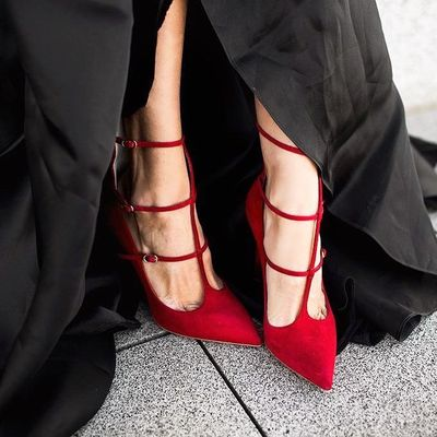 Put on Your Red Shoes 👠 and Dance 💃 the Blues 💙 ...