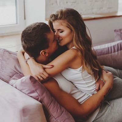 How He Will Kiss You According to His Zodiac Sign ...