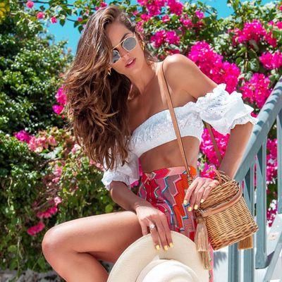 12 Essentials for Your Beach Bag ...