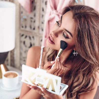 7 Steps to a Perfect Pout ...