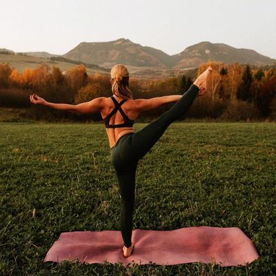 7 Yoga Poses That Enhance Digestion and Fight Bloating ...
