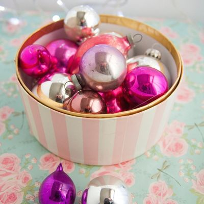 On-Point Tips for Storing and Organizing Christmas Decorations ...
