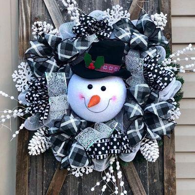 How to 📝 Make a Cute 🤗 Snowman ⛄️ Wreath ...
