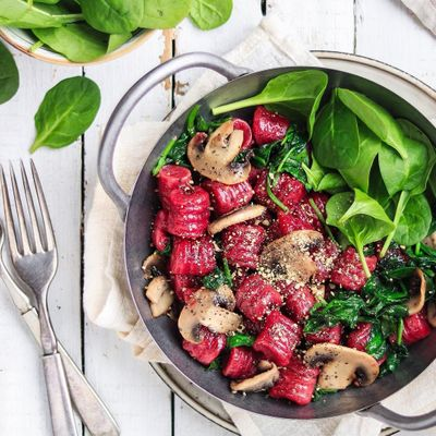 7 Healthy Things to Add to Salads ...