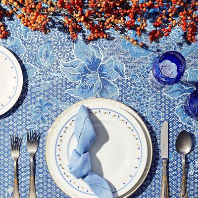 7 Ways to Have Proper Table Etiquette That You Should Try ...