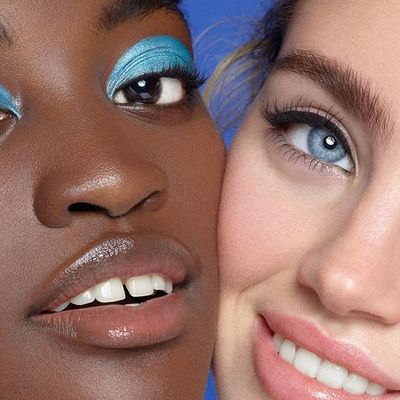 Everything You Need to Know about Wearing and Handling Eye Contacts ...