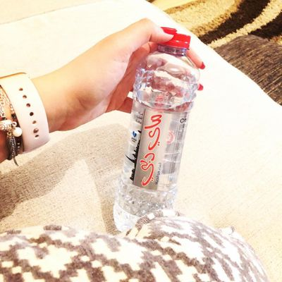 How to Drink Water for a Flatter Stomach ...