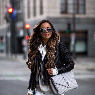 4 Glamorous White DKNY Mid-heels ...