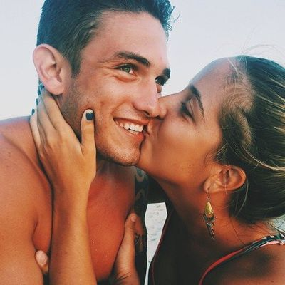 17 Reasons You Need to Toss 🗑 the Idea 💡 of Mr. Right 💖 ...