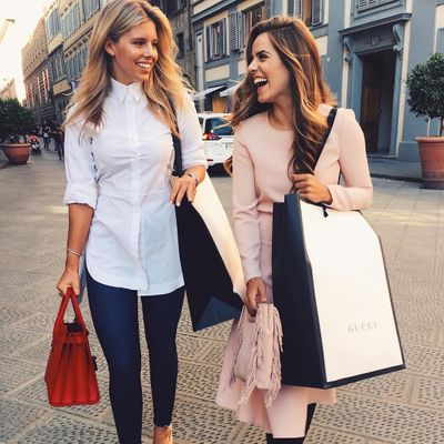 7 Signs 🚥 You're a Shopaholic 🙊🛍🙈 ...